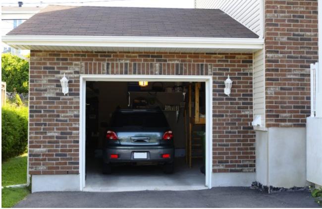 Garage Door Specialist 2