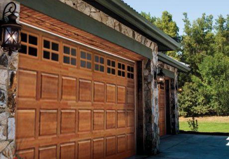 CLASSIC™ collection – Premium Series garage doors