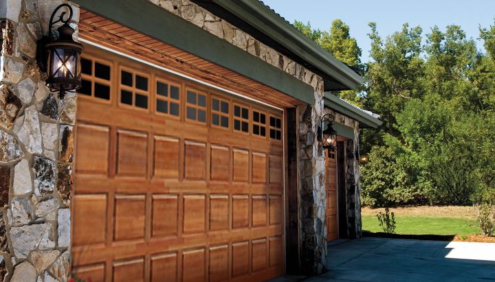 CLASSIC™ collection – Premium Series garage doors